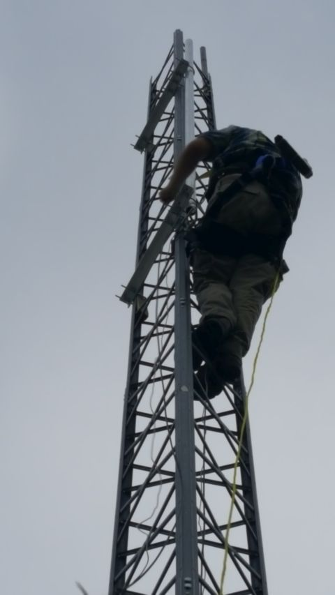 Colin mounting pole on new mount structure